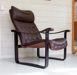 Laadukas 70-luvun alun nahkainen nojatuoli, BJ. Dahlqvist, Pietarsaari