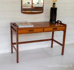 Vintage lipasto / eteispöytä 1960-luvulta