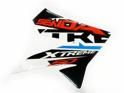 Etukatteen tarra (puna/valko/musta, oikea), Derbi Senda DRD X-Treme 10-17