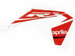 Etukatteen tarra (oikea, puna/valko), Aprilia RX/SX 18->
