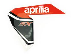 Etukatteen tarra (vasen, puna/musta), Aprilia RX/SX 06-17