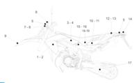Takakatteen alempi tarra, vasen (puna/musta), Aprilia RX/SX 06-17