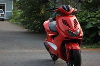 Astinlautakate valkoinen, Yamaha Aerox <-12