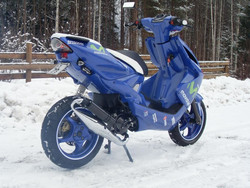 Stage6 Pro Replica pakoputki kromi/carbon, Yamaha skootterit (vaaka)