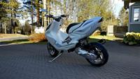 Polvikate, valkoinen, Yamaha Aerox <-12