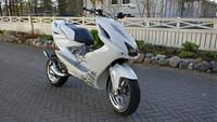 TNT alakate, valkoinen, Yamaha Aerox <-12