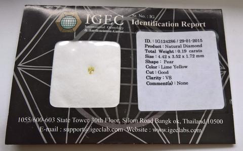 limetin sävyinen pisara timantti  IGEC  todistuksella 4,4mm