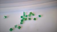 Smaragdi 1.9  x 1.9  mm