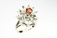 Yksilöllinen timantti / jalokivisormus, uutta vastaavassa kunnossa