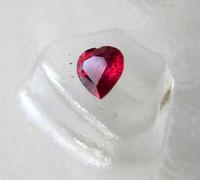(472) Rubiini sydänhionta