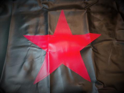 Varapyörän peite - punatähti