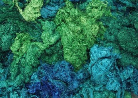 silkkitrasseli 10 g, monsooni 802, käsinvärjättty silkki