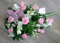Vaaleanpunainen ruusu, gladiolus