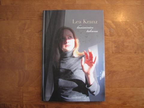 Lasiseinän takana, Lea Kranz