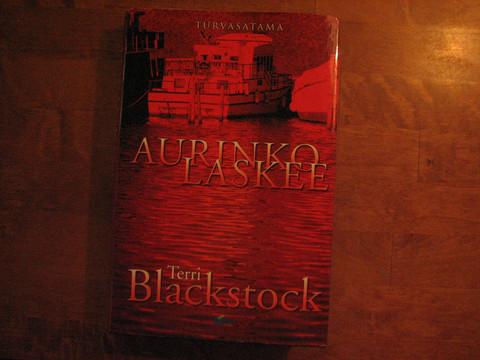 Aurinko laskee, Terri Blackstock, d2