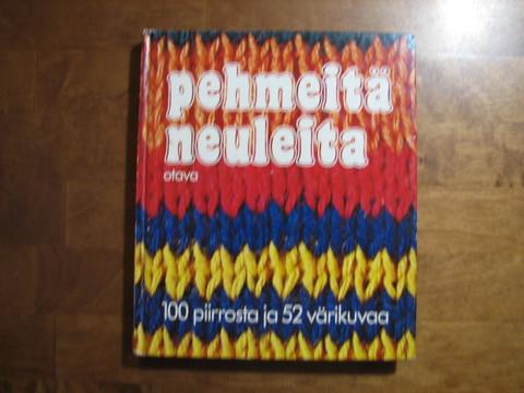 Pehmeitä neuleita, 100 piirrosta ja 52 valokuvaa, H. Gleitsmann, E.S. Schmidt, E.Turkis