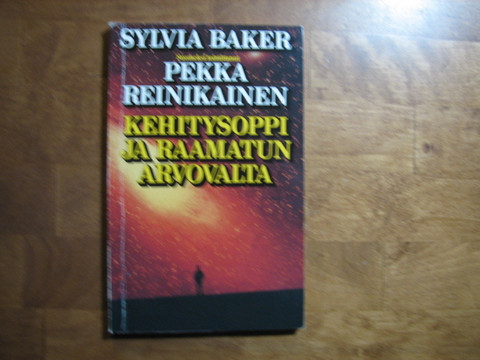 Kehitysoppi ja Raamatun arvovalta, Sylvia Baker