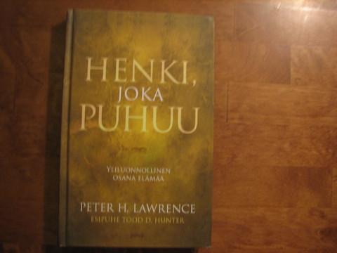 Henki, joka puhuu, Peter H. Lawrence d2