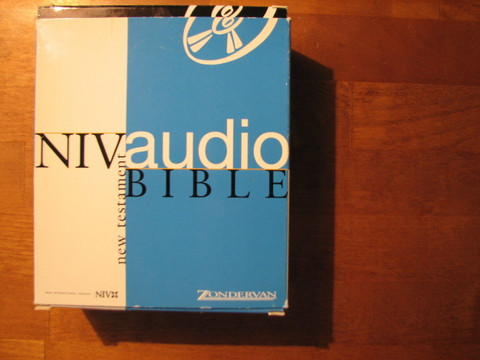 New Testament, New International Version (NIV), audio Bible, 16 cd-levyä