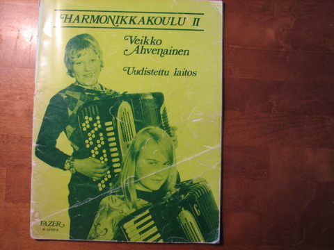 Harmonikkakoulu II, uudistettu laitos, Veikko Ahvenainen