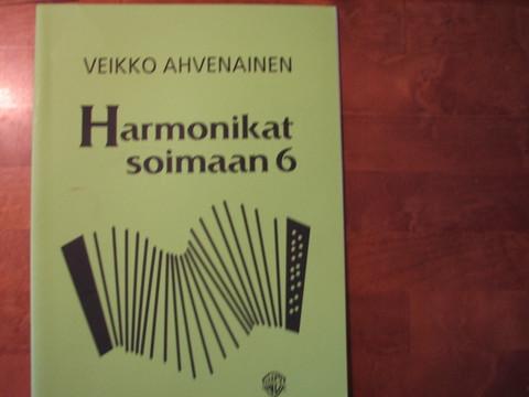 Harmonikat soimaan 6, Veikko Ahvenainen