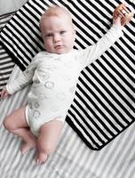 Baby Wallaby Torkkupeitto (mustavalkoraidallinen)