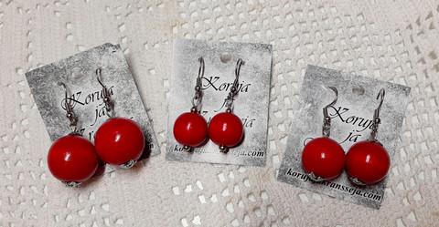Punaiset helmikorut