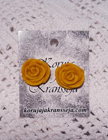 Keltaiset ruusu nappikorvakorut