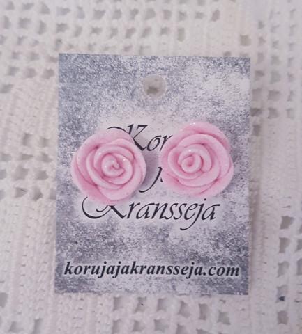 Vaalea ruusukorvakoru