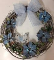 Sininen kukkakranssi