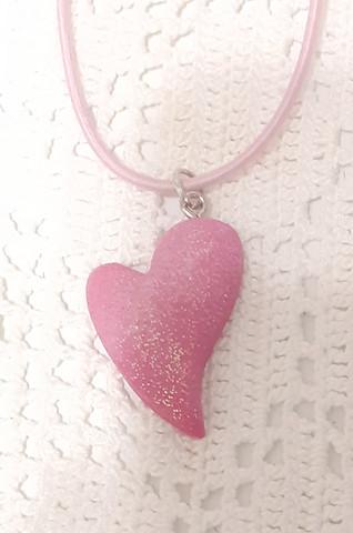 Pinkki sydän kaulakoru