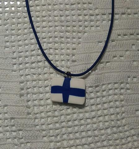 Suomenlippu kaulakoru