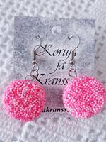 Pinkit karkkikorvakorut