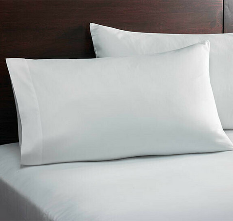Hotellin tyynyliina 60x40cm 10 kpl 1,49€ kpl. Ale-hinta 0,89€ kpl
