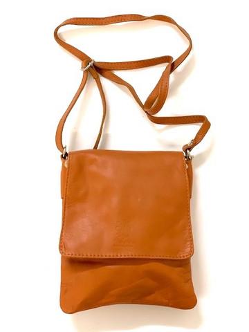 Naisten käsilaukkuja 6 kpl