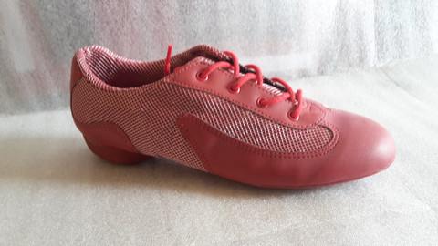DK 30 punainen tanssilenkkari