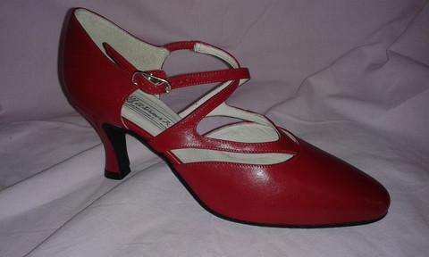 Fabiola 65 punainen UK 5,5