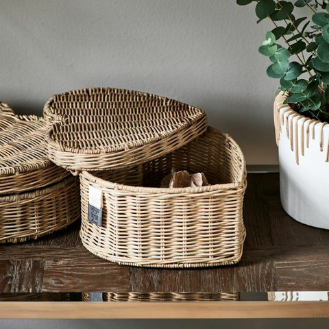 RIVIÈRA MAISON RUSTIC RATTAN HAPPY HEART BASKET HIGH