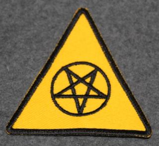 Satanismia, hihamerkki
