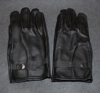 Leather Gloves, Dutch army, unissued.