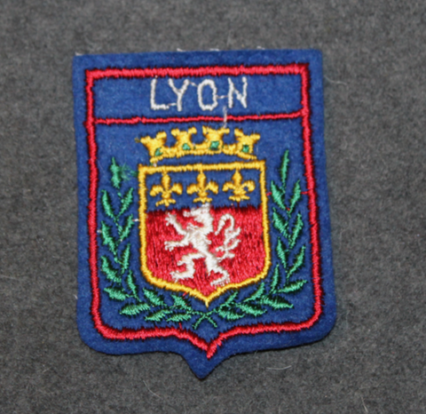 Lyon, matkamuisto kangasmerkki. Huopapohja.