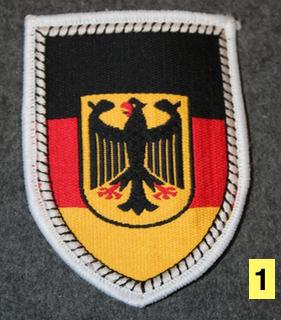 Saksan armeijan hihamerkkejä.