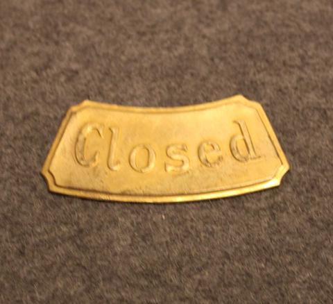 Closed, locked door indicator.