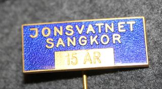 Jonsvatnet Sangkor 15 År, Kuoron 15v jäsenmerkki.