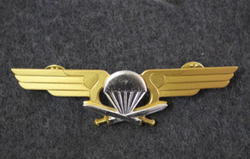 Finnish Army Airborne Jaeger Company Chest badge ( Jump badge ).  1st class