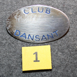 Club Dansant, Pinssejä