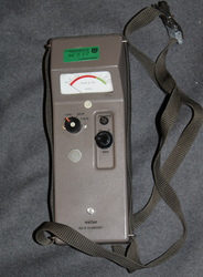 Geiger counter, Wallace RD-8, cold war era, working.