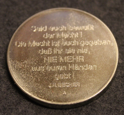 DDR Medaille 30 Jahre NVA dem 1.Regiment 1956-1986, East German medal with nice red box