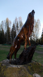 Wooden statue, Finnish Wolf. Remarkably fine handcraft.