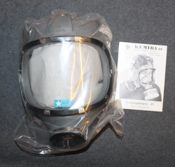 Gasmask Kemira M/71, Finnish CD, w/ bag, unissued.